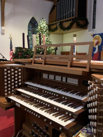 Three Manual Custom Allen Organ, Dalraida UMC in Montgomery, Alabama